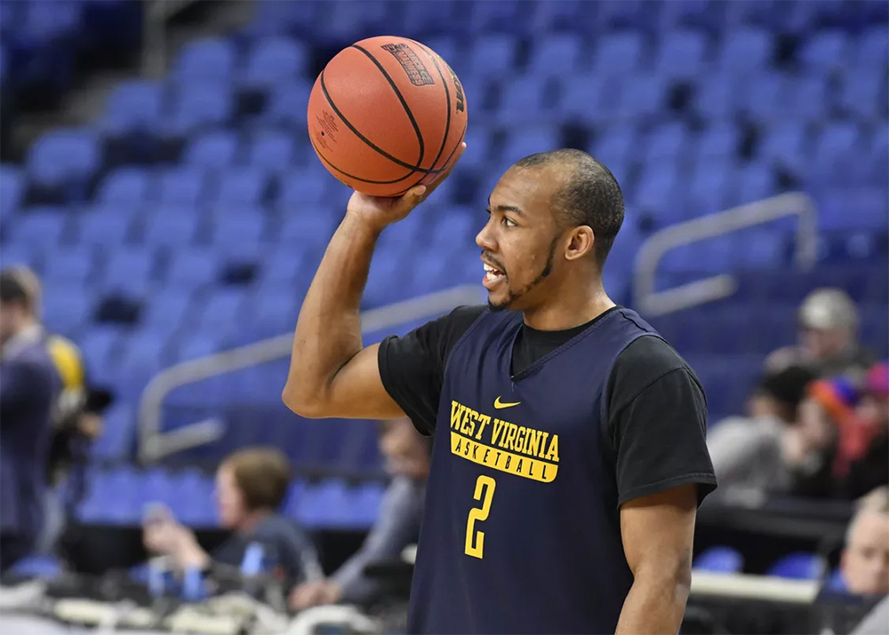 3bf45eaee514 The Grizzlies selected Carter with the No. 32 overall pick in the 2018 NBA  Draft. After a short stint with the Memphis Hustle of the G-League